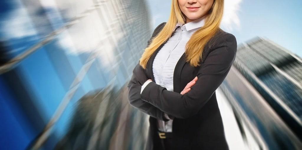 Style professionnel : 5 astuces pour être bien habillée au travail